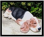 Beagle Sculpture - Lying Down