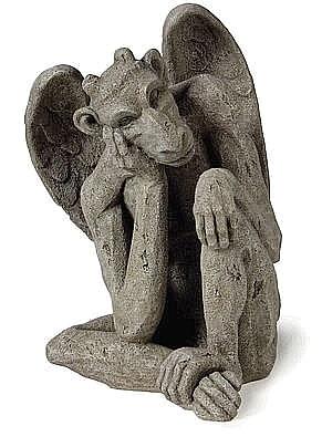 Merveilleux Friendly Gargoyle Statue