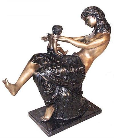 A Mother with Her Baby Sculpture